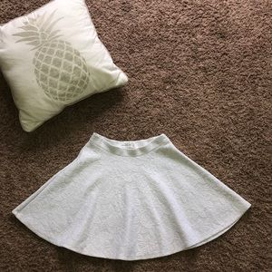 Abercrombie and Fitch Gray Floral Skirt (XS)
